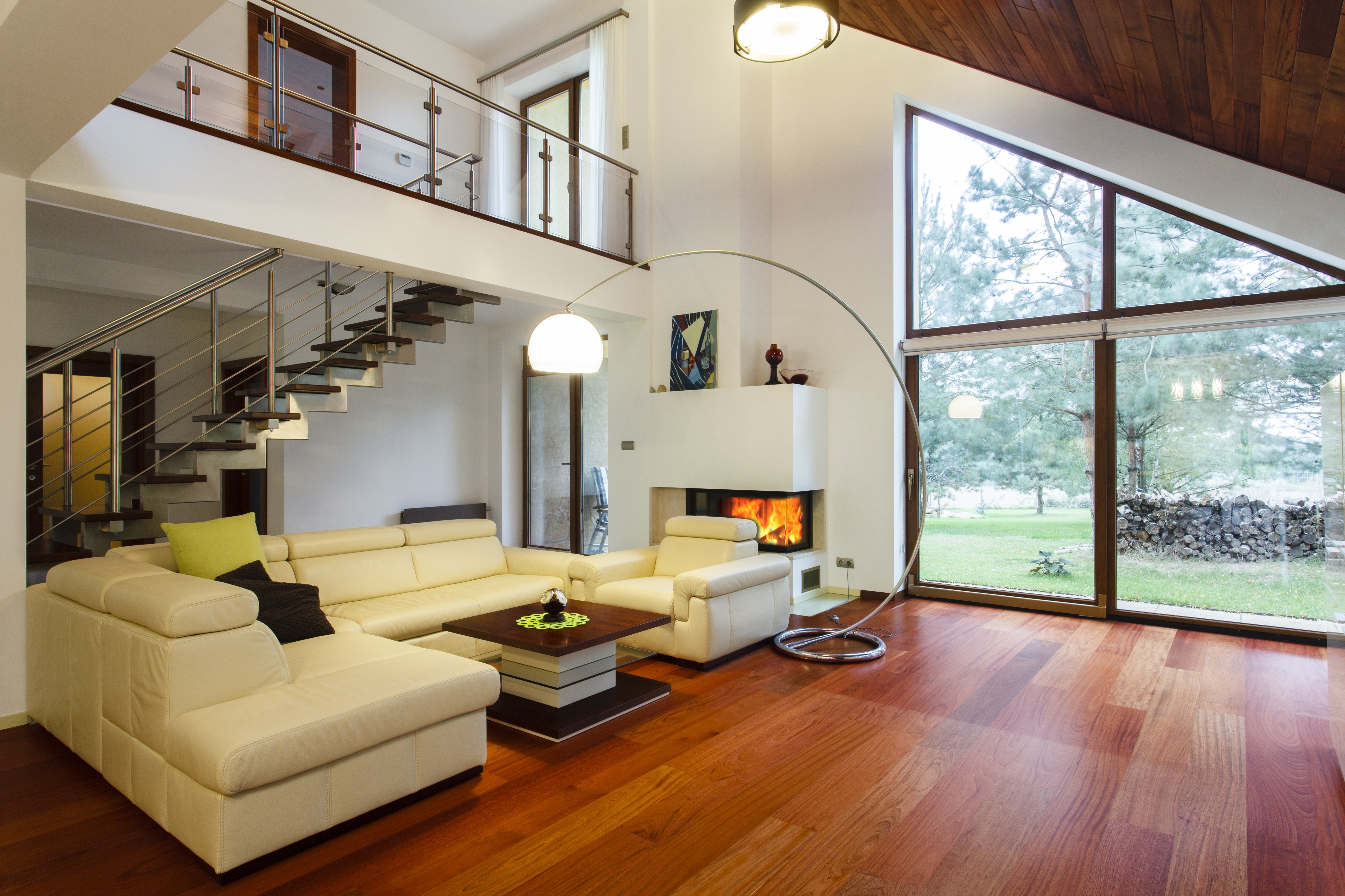 Designer's house with entresol and spacious living room-1